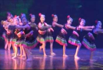 幼儿舞蹈《叮当拜》